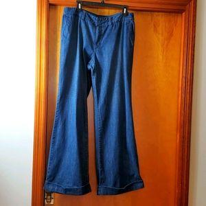 Liz Claiborne Wide Leg Blue Jeans, size 14